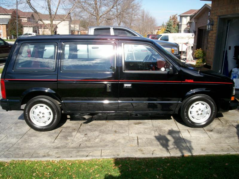 1989 Dodge Turbo Caravan - 00-100_1094.jpg