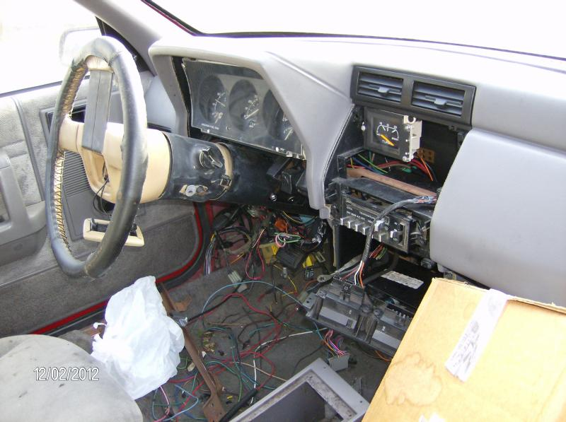 Parting out a 1993 Dodge Shadow ES-shadow-024.jpg