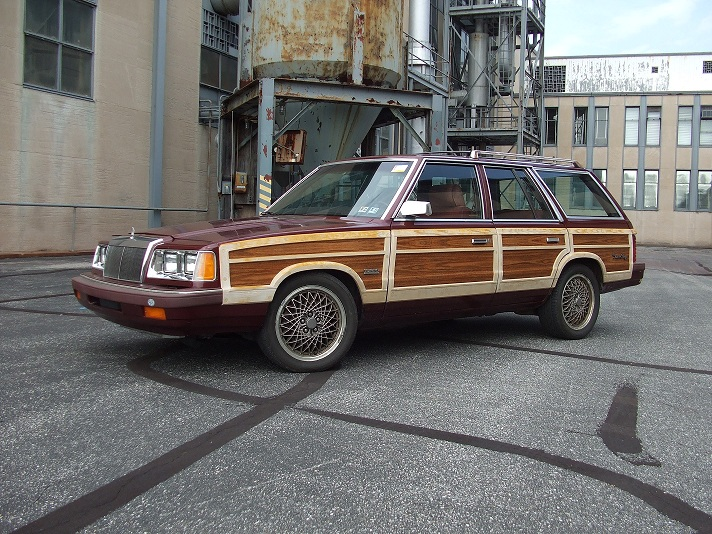 1987 Chrysler Town and Country SRT-4 - 00-wagonprofile.jpg